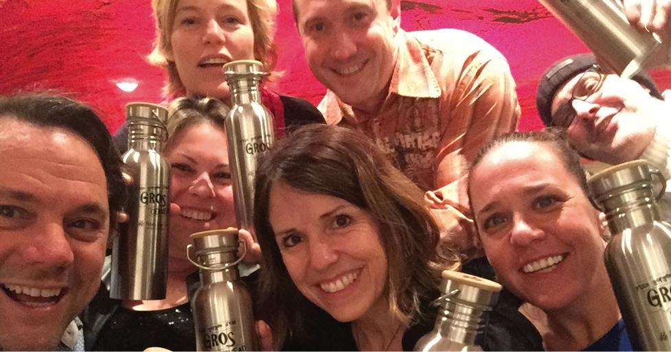 L'équipe Tonik de créateur de la bouteille d'eau Neuro Gym Tonik